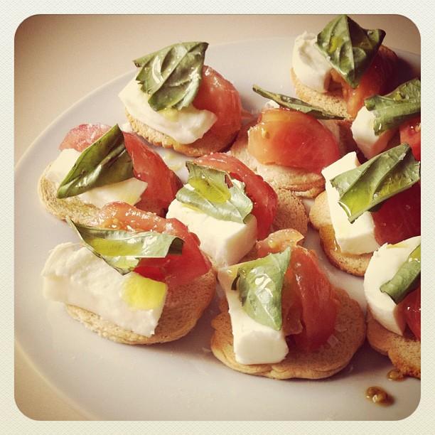 tomate-mozzarella-pesto